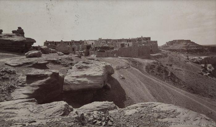 Ben Wittick (1845-1903) - Mu-Shang-Navi Moqui Indian Village, Arizona, 1890