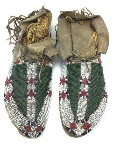Lakota / Sioux Beaded Moccasins with Buffalo Paw Design c. 1890s (DW90757-0421-007)