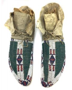 Lakota / Sioux Beaded Moccasins with Buffalo Paw Design c. 1890s (DW90757-0421-021)