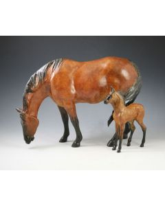Star Liana York - Grazing Mare and Foal