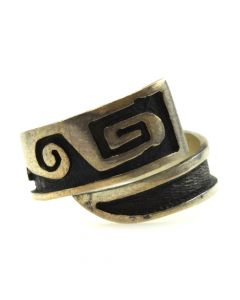 Hopi Silver Overlay Ring c. 1960s, size 7