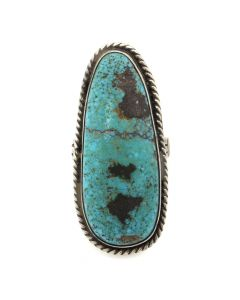Lot 138 - Navajo Turquoise and Silver Ring c. 1940s, size 8 (J12136)