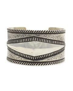 Edison Cummings (b. 1962) - Navajo Silver Bracelet c. 2000s, size 6.75 (J12931)