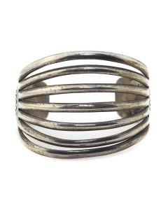 Kenneth Begay (1913-1977) - Navajo Sterling Silver Bracelet c. 1950s, size 7 (J13076)