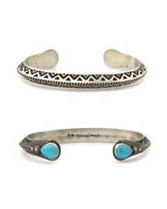 Kee (Karl) Nataani – Navajo Contemporary Sterling Silver Stamped Design Bracelet with Turquoise on Terminals, size 7 (J14184-009)