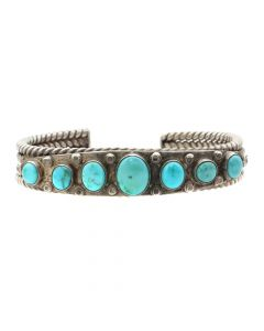 Lot 116 - Navajo Turquoise and Silver Bracelet c.1940-50s, size 6.25 (J8326)