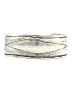 Miramontes - Sterling Silver Classic Navajo Design Bracelet Cuff, size 7.25