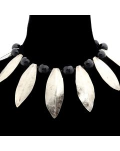 Miramontes - Necklace with Twelve Silver Laurel Leaves and Eleven Large Onyx Beads, 16.5 length (J91305-117-008)
