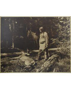 Bert Geer Phillips (1868-1956) - The Deer Hunt
