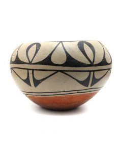 "Santo Domingo Polychrome Bowl c. 1920s, 4.5"" x 6.5"" (P3168)"