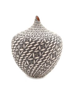 "Sandra Victorino - Acoma Seed Jar c. 1990-2000s, 6"" x 4.5"""