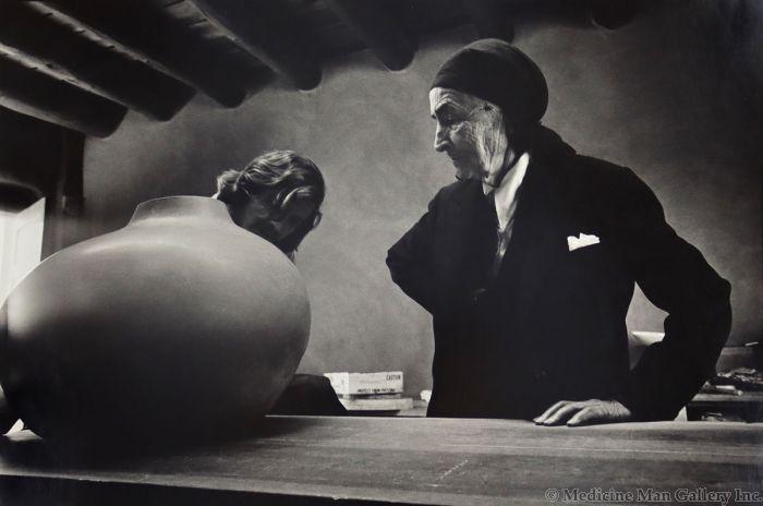 Dan Budnik (1933-2020) - Georgia O'Keeffe and Juan Hamilton, Ghost Ranch, New Mexico; March 1975 (PDC90211C-0121-008)