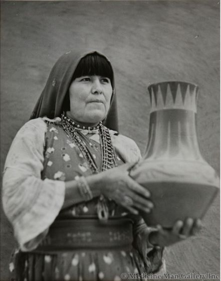 "Mario Scacheri - Photograph of Maria Martinez, 1944, 9.5"" x 7.875"" (M90834A-0811-002)"