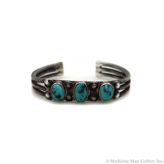 Zuni Turquoise and Silver Bracelet c. 1930-40s, size 7 (J13467-CO)