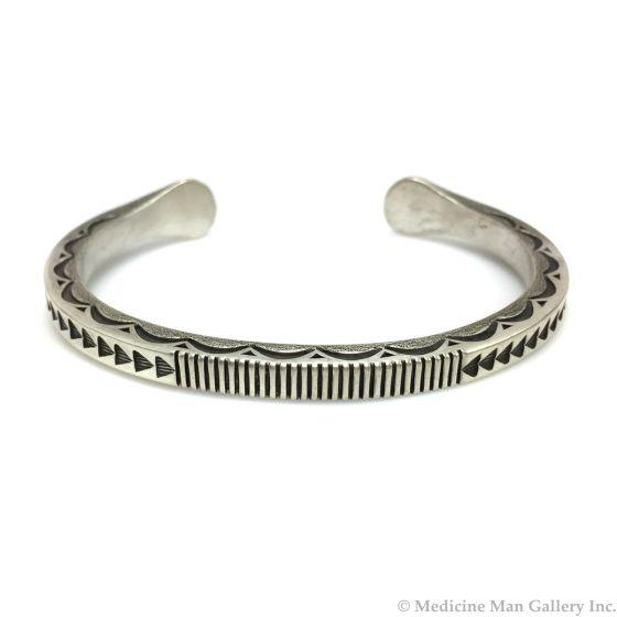 Kee Nataani - Contemporary Navajo Sterling Silver Bracelet, Size 7.75 (J13722)