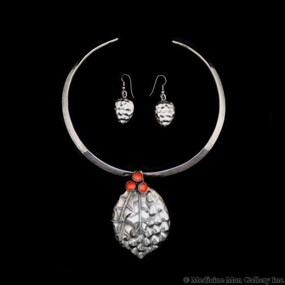 Sam Patania - Coral and Sterling Silver Floral Design Pendant with Silver Choker and Earrings Set c. 1980s (J90432A-0521-010)
