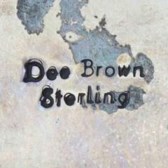 Brown, Dee