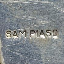 Piaso, Sam