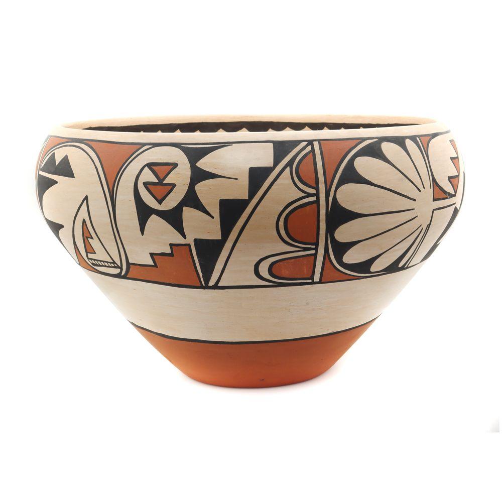 Carmelita Dunlap - Large San Ildefonso Polychrome Jar